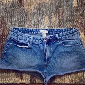 Women's Forever 21 Distressed Short Shorts